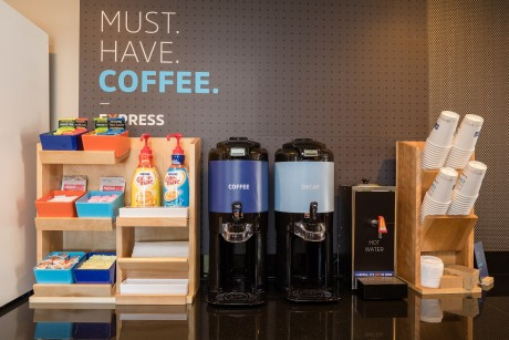 Welcome To Holiday Inn Express Mountain View Palo Alto - Coffee Station