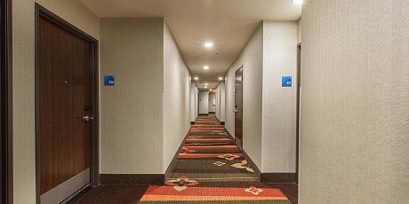 Welcome To Holiday Inn Express Mountain View Palo Alto - Interior Corridors